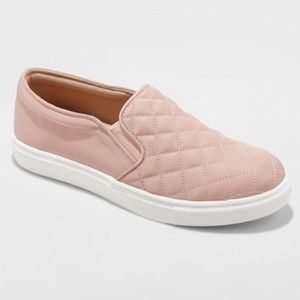 NWT (10) Women's Quilted Slip On Sneakers
